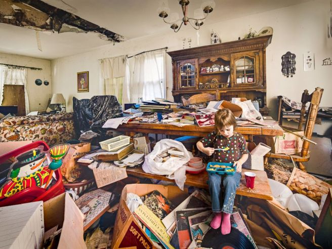 ht_hoarder_home_08_jef_150415_4x3_992